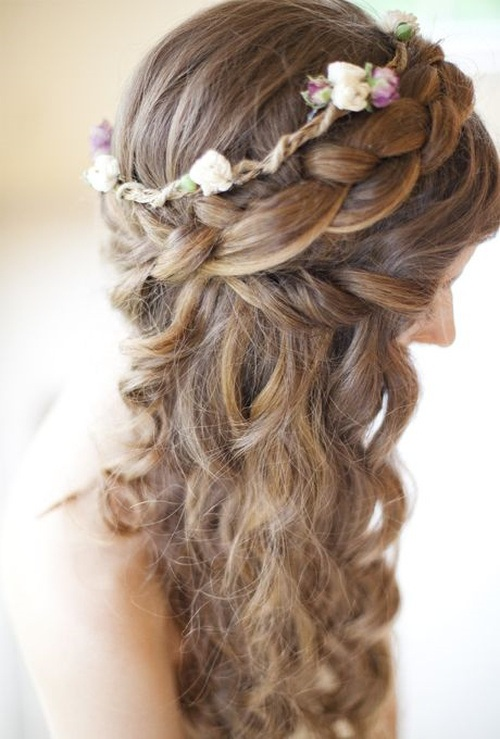 Top Wedding Hairstyling Tips For Girls With Curly Hair