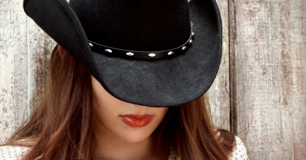Top 5 Hat Etiquette Tips for Fashionistas