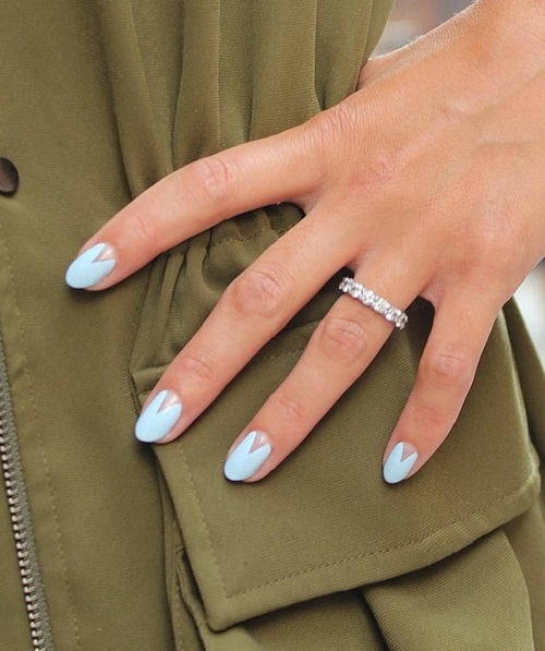 Color Manicure For Brides Yes Or No?