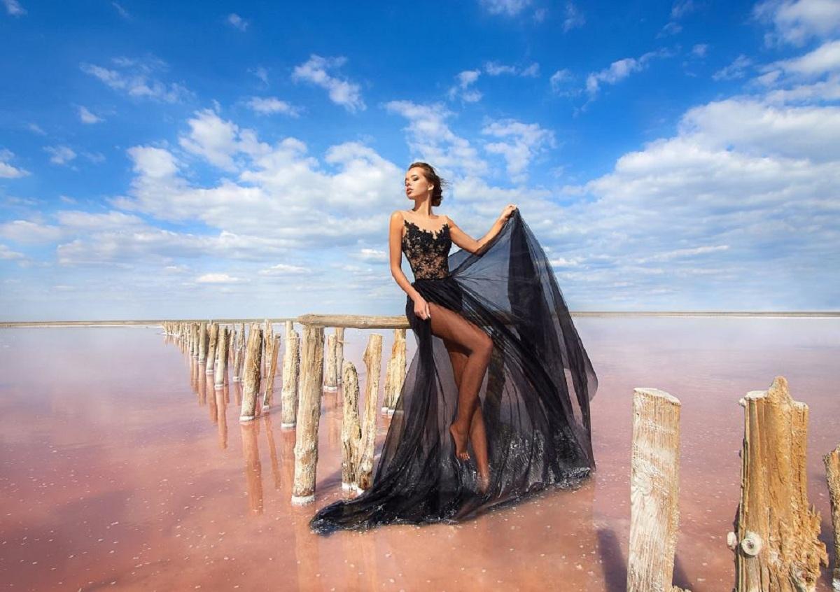 Long Transparent Skirt In The Women's Wardrobe