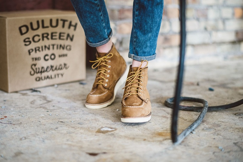 What To Wear With Women's Rough Shoes?