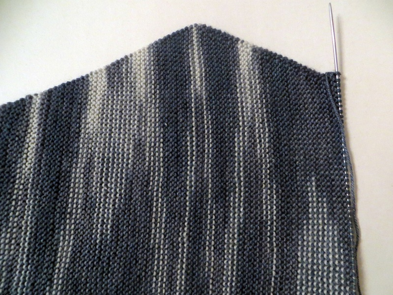 How To Knit Baktus With Knitting Needles?