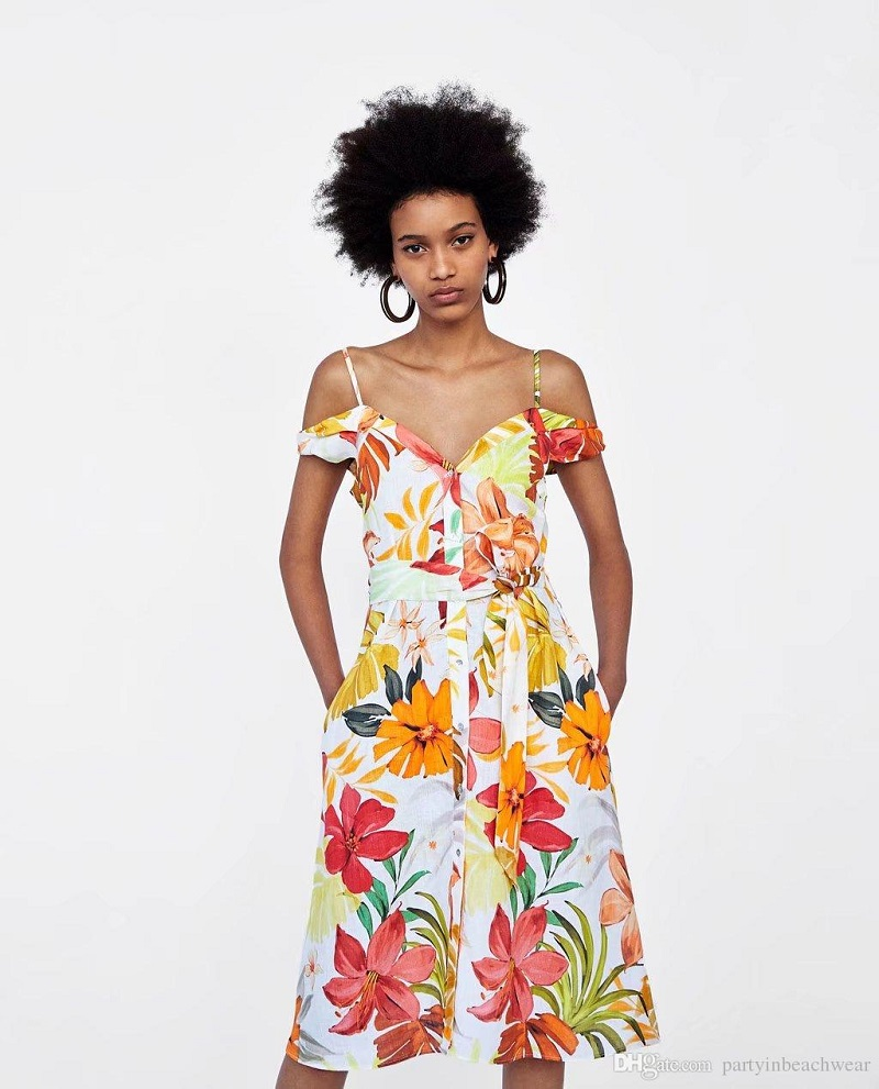 Tropical Chic, the dress code of the moment