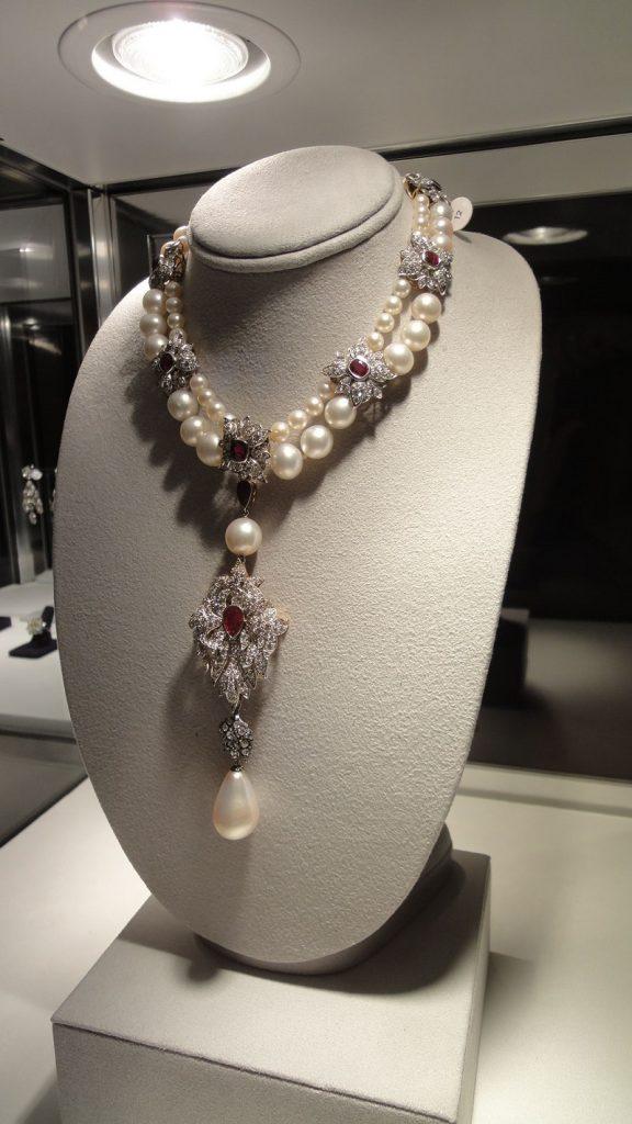 Elizabeth Taylor jewelry