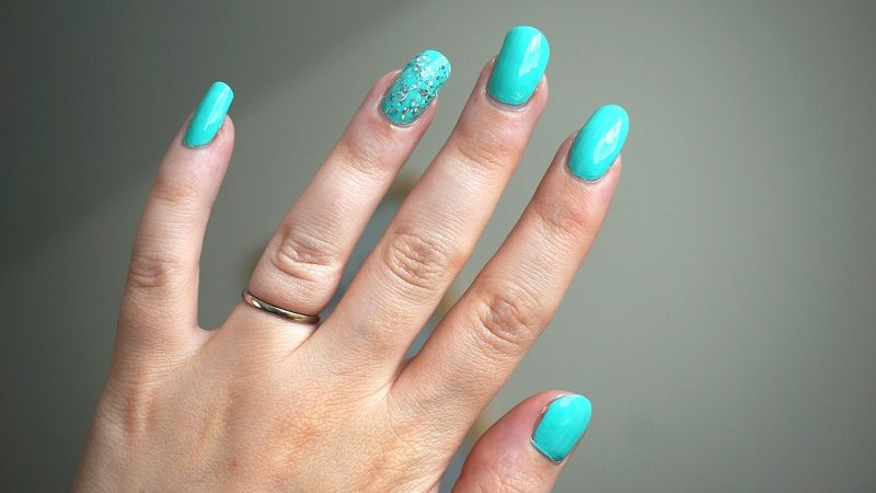 7 tips to avoid bubbles in nail polish